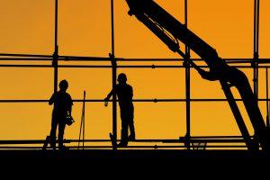 foto van bouwvakkers bij artikel over werkgeversaansprakelijkheid voor bedrijfsongevallen